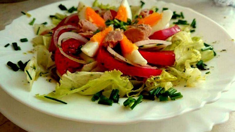 salatka_dietetyczna_z_tunczykiem